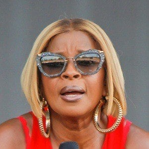 Mary J. Blige 9 of 10