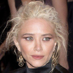 Mary-Kate Olsen 4 of 9
