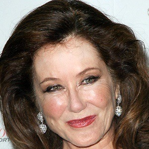 Mary McDonnell 4 of 5
