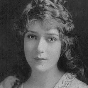 Mary Pickford 2 of 8