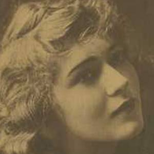 Mary Pickford 4 of 8