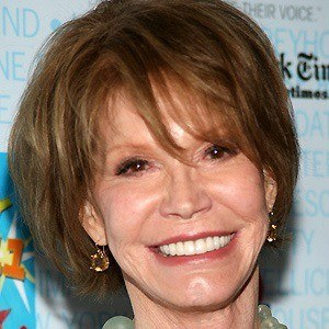 Mary Tyler Moore 3 of 6