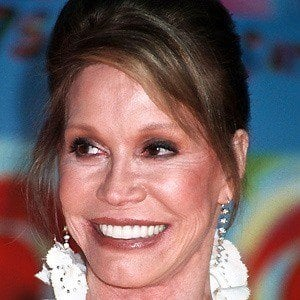 Mary Tyler Moore 5 of 6