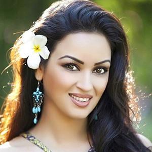 Maryam Zakaria 2 of 6