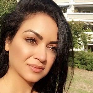 Maryam Zakaria 3 of 6