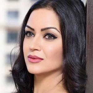 Maryam Zakaria 4 of 6