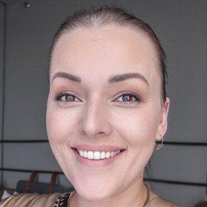 Mascha Feoktistova Headshot 9 of 10