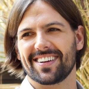 Matías Kosznik Headshot 5 of 6