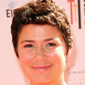 Maura Tierney 3 of 9