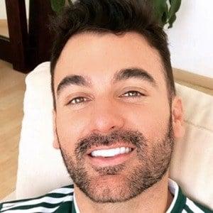 Mauricio Mejía 4 of 6