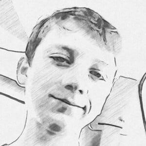 Max Pettit Headshot 7 of 10