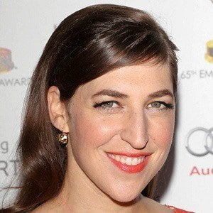 Mayim Bialik 3 of 9