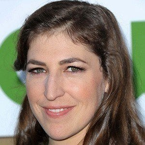 Mayim Bialik 4 of 9