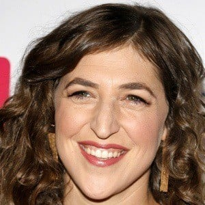 Mayim Bialik 6 of 9