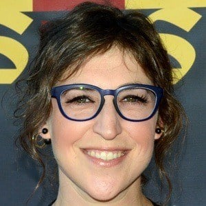Mayim Bialik 7 of 9