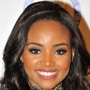 Meagan Tandy 2 of 6