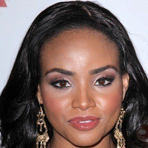 Meagan Tandy 3 of 6