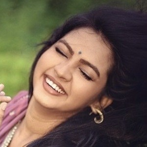 Meera Joshi 4 of 9