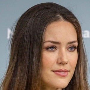 Megan Boone Headshot 6 of 6