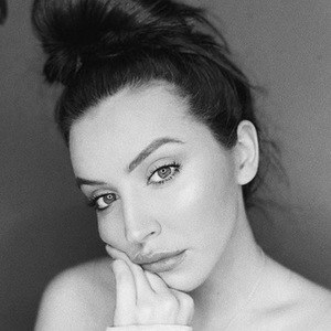 Megan Donoho 3 of 6