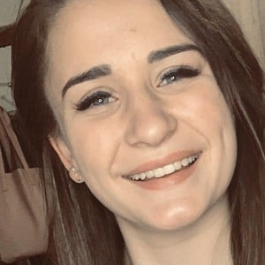 Megan Yzel 4 of 8