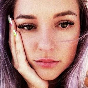 Megan Zelly 5 of 6