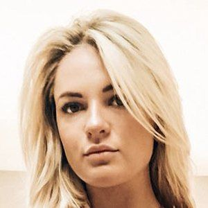 Megan Zelly Headshot 7 of 10
