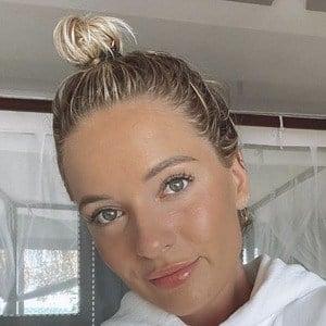 Megan Zelly Headshot 10 of 10