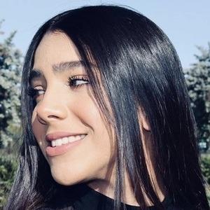 Meila Pedraza Headshot 8 of 10