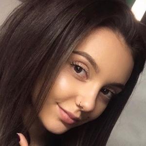 Melania Yaneva 4 of 6