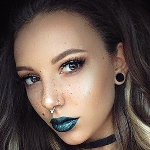 Melania Yaneva 6 of 6