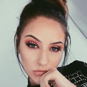 Melina Quiroga 3 of 6