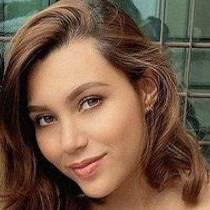 Melisa Chavarria Headshot 5 of 10