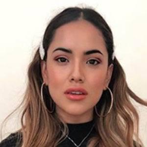 Melissa Ríos 2 of 5