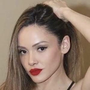 Melissa Santos Headshot 4 of 10