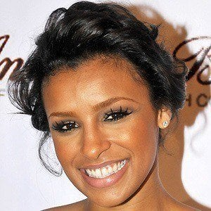 Melody Thornton 4 of 10