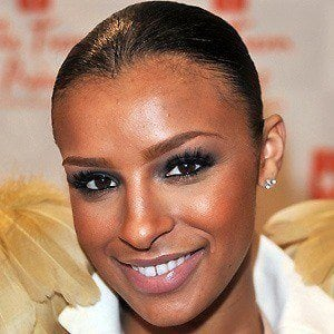 Melody Thornton 5 of 10