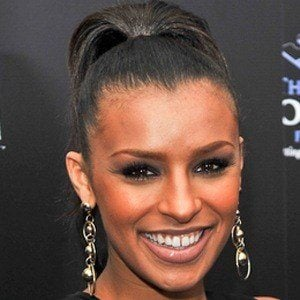 Melody Thornton 6 of 10
