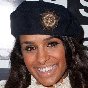 Melody Thornton 7 of 10