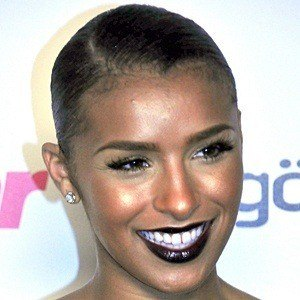 Melody Thornton 9 of 10