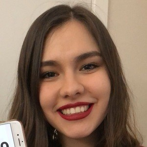 Mely Herrera 4 of 5