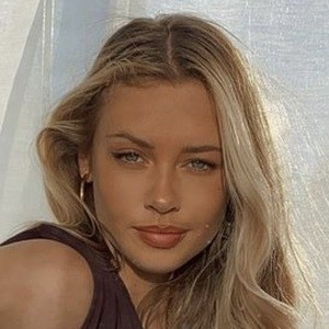Mia Ellingsen 3 of 10