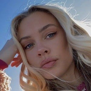 Mia Ellingsen 6 of 10