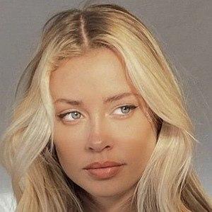 Mia Ellingsen 8 of 10