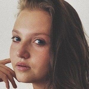 Mia McKenna-Bruce 6 of 10