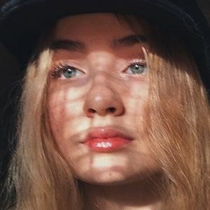 Mia Ruby Headshot 5 of 10