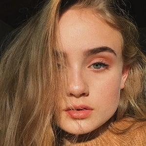 Mia Ruby Headshot 6 of 10