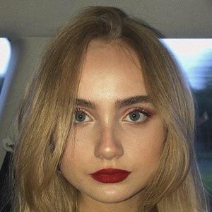Mia Ruby Headshot 7 of 10