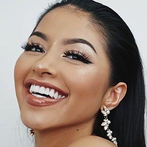 Michelle Díaz 4 of 8