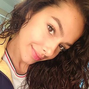 Michelle De Andrade 3 of 5